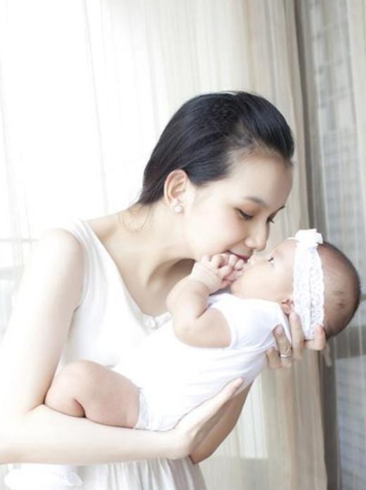 Hai thiên thần nhỏ của Hoa hậu Hoàn vũ Việt Nam 2008 - Tin sao Viet - Tin tuc sao Viet - Scandal sao Viet - Tin tuc cua Sao - Tin cua Sao
