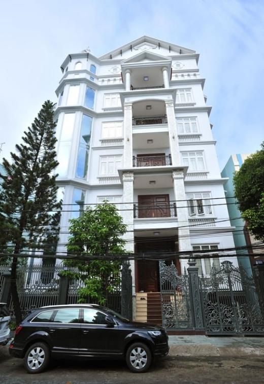 Ngôi nhà 6 tầng của á quân Bích Ngọc nằm ngay đường Cộng Hòa, quận Tân Bình, TP HCM.