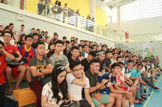 Buổi lễ khai mạc giải được tổ chức vô cùng chuyên nghiệp và công phu, thu hút hơn 400 khán giả