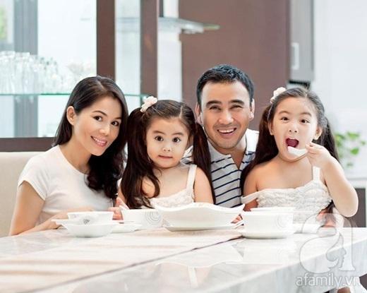 Gia đình hạnh phúc của MC Quyền Linh trong ngôi biệt thự đắt tiền.  - Tin sao Viet - Tin tuc sao Viet - Scandal sao Viet - Tin tuc cua Sao - Tin cua Sao
