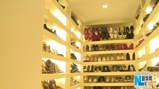 Tủ giày của Trương Đình