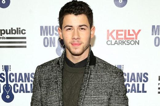 """Trò chuyện với Wendy Williams trong một buổi phỏng vấn, Nick Jonas cho biết: """"Liệu tôi có còn """"gin"""" không hả? Không. Như tôi đã nói, tôi là một người trưởng thành về mọi mặt. Và tôi thoải mái với con người của mình""""."""