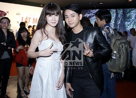 Anh cũng tranh thủ chụp ảnh cùng hot girl Minh Hà - Tin sao Viet - Tin tuc sao Viet - Scandal sao Viet - Tin tuc cua Sao - Tin cua Sao
