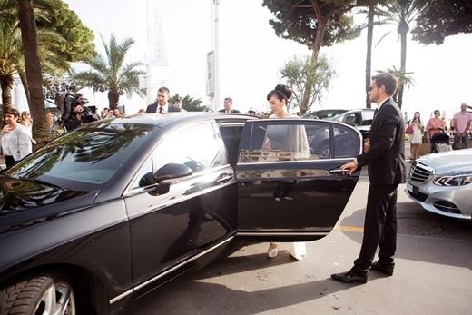 Từng có mặt tại Liên hoan phim Cannes 2013, và lần trở lại này, Lý Nhã Kỳ cũng là khách mời chính thức của ban tổ chức nên được bảo vệ và đưa đón chu đáo. - Tin sao Viet - Tin tuc sao Viet - Scandal sao Viet - Tin tuc cua Sao - Tin cua Sao