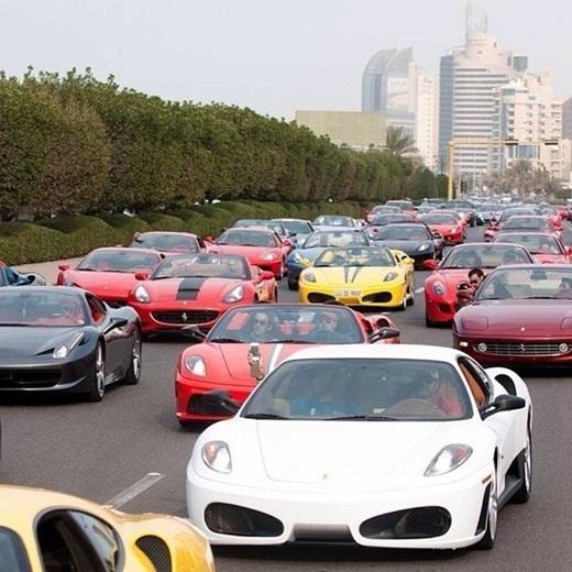 Mỗi lần kẹt xe ở Dubai.
