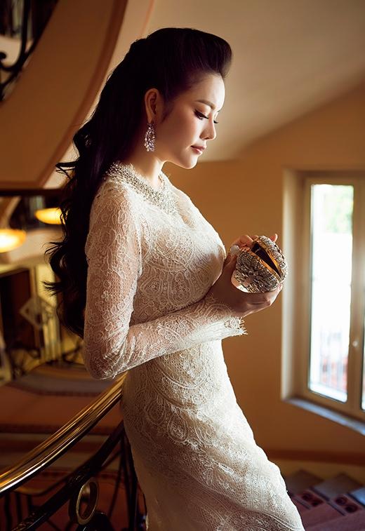 Chiếc đầm nguời đẹp mặc trên thế giới chỉ có 3 chiếc ở Anh, Pháp và Ý. - Tin sao Viet - Tin tuc sao Viet - Scandal sao Viet - Tin tuc cua Sao - Tin cua Sao