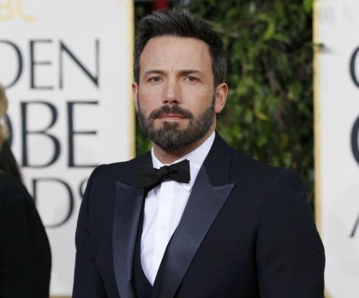 Dù việc để râu khiến gương mặt hiện tại của anh có phần già đi, tuy nhiên vẻ đẹp của nam diễn viên vẫn không mất đi quá nhiều, thân hình hiện nay của anh thậm chí còn có phần 'chuẩn' hơn lúc trẻ do chăm luyện tập để vào vai diễn trong bộ phim siêu anh hùng Batman sắp tới.