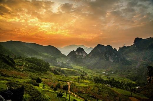 Vùng núi miền Bắc với cảnh quan hùng vĩ