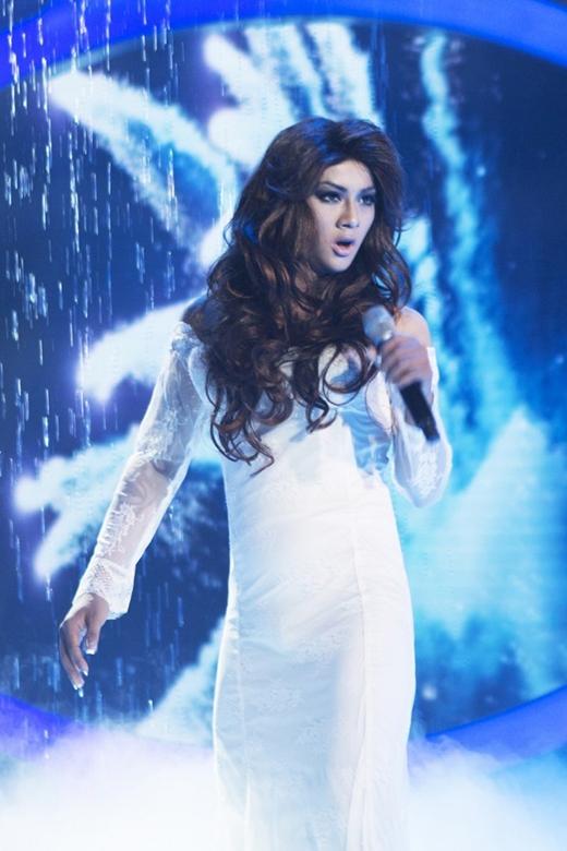 Hoài Lâm nữ tình với 'My heart will go on' trong vai nữ ca sĩCeline Dion. - Tin sao Viet - Tin tuc sao Viet - Scandal sao Viet - Tin tuc cua Sao - Tin cua Sao