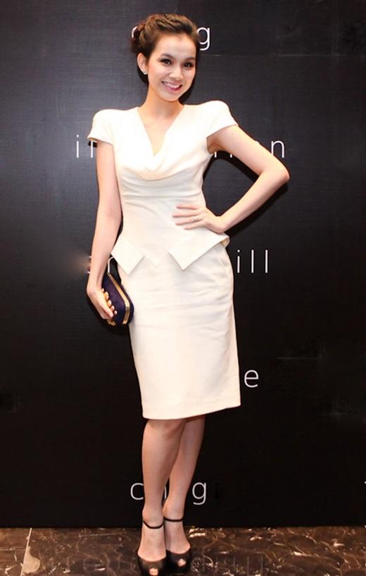 Tăng 16kg khi mang bầu lần hai, Hoa hậu Thùy Lâm cũng sớm lấy lại vóc dáng chuẩn mực chỉ 4 tháng sau sinh. - Tin sao Viet - Tin tuc sao Viet - Scandal sao Viet - Tin tuc cua Sao - Tin cua Sao