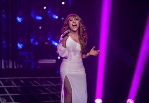 Hóa thân thành Celine Dion, Nhật Thủy