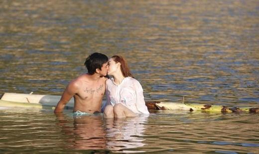 Nụ hôn đầy lãng mạn giữa Minh Hằng và Tiến Vũ khiến các fan 'đứng ngồi không yên' - Tin sao Viet - Tin tuc sao Viet - Scandal sao Viet - Tin tuc cua Sao - Tin cua Sao
