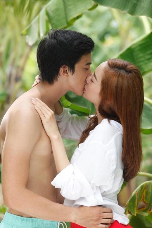 Cận cảnh nụ hôn nóng bỏng giữa Minh Hằng và chàng 'phi công' trẻ Tiến Vũ - Tin sao Viet - Tin tuc sao Viet - Scandal sao Viet - Tin tuc cua Sao - Tin cua Sao