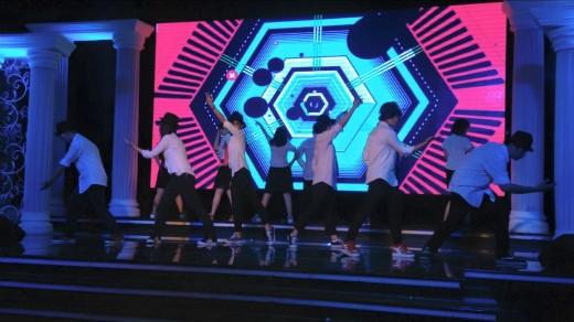 Màn trình diễn ấn tượng của đội nhảy Pop Quake Crew trường Trung học Thực hành