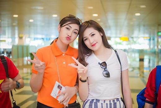 Hai người đẹp khá vui mừng khi gặp nhau - Tin sao Viet - Tin tuc sao Viet - Scandal sao Viet - Tin tuc cua Sao - Tin cua Sao
