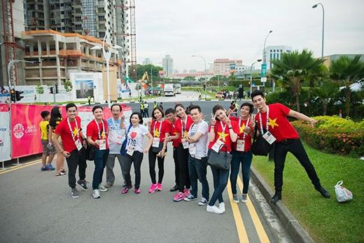 Đoàn CĐV đặc biệt sang Singapore cổ vũ cho U23 Việt Nam. - Tin sao Viet - Tin tuc sao Viet - Scandal sao Viet - Tin tuc cua Sao - Tin cua Sao
