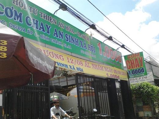 Quán cơm chay 1.000 đồng trên quốc lộ 1, huyện Bình Chánh