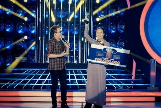 Ái Phương xuất sắc giành chiến thắng trong đêm liveshow 8 với màn hóa thân thành nghệ sĩ Hồng Nga. - Tin sao Viet - Tin tuc sao Viet - Scandal sao Viet - Tin tuc cua Sao - Tin cua Sao