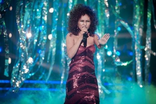 Lần đầu tiên được hóa thân thành danh ca thế giới Diana Ross với ca khúc When you tell me that you love me, Ngọc Liên tỏ ra vô cùng háo hức và tỉ mỉ nghiên cứu, quan sát. - Tin sao Viet - Tin tuc sao Viet - Scandal sao Viet - Tin tuc cua Sao - Tin cua Sao