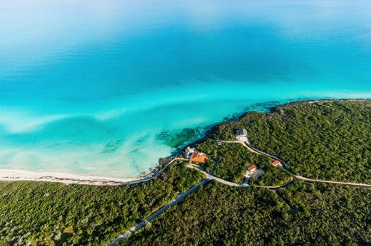 Nằm ở khu vực Caribbean nên không ngạc nhiên khi mà Cuba sở hữu cho mình nhiều bãi biển hoang sơ tuyệt đẹp.