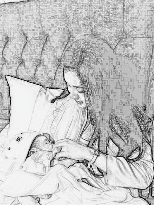 Đi kèm với bài thơ là hình ảnh Vy Oanh đang cho con bú - Tin sao Viet - Tin tuc sao Viet - Scandal sao Viet - Tin tuc cua Sao - Tin cua Sao