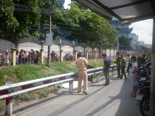 Nhận được tin báo, lực lượng công an quận Phú Nhuận đã có mặt tiến hành lập biên bản vụ việc và khám nghiệm hiện trường.