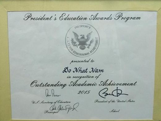 Giải thưởng khuyến học quốc gia Mỹ và được công nhận có thành tích học tập xuất sắc năm 2015.