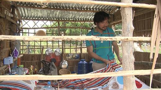 Trong khi đó, bố con doanh nhân Đỗ Minh lại phải ở nhà lá... - Tin sao Viet - Tin tuc sao Viet - Scandal sao Viet - Tin tuc cua Sao - Tin cua Sao