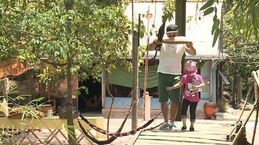 Mạnh Tường và Anh Tuấn lại hỗ trợ con gái mang cơm về - Tin sao Viet - Tin tuc sao Viet - Scandal sao Viet - Tin tuc cua Sao - Tin cua Sao