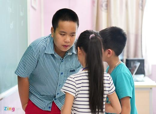 Theo Nhật Nam, các em nói tiếng Anh khá tốt, tuy nhiên, một số bạn còn ngại phát âm vì sợ sai