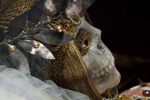 Đây là bộ hài cốt Thánh Felix, trên người có mặt của vàng bạc