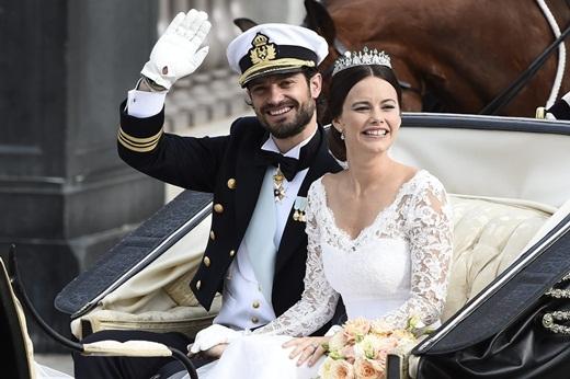 Ngày 13 tháng 6 vừa qua, đám cưới linh đình của Hoàng tử Carl Phillip của Thụy Điển và cựu siêu mẫu ngực trần Sofia Hellqvist đã diễn ra tại Stockholm, Thụy Điển