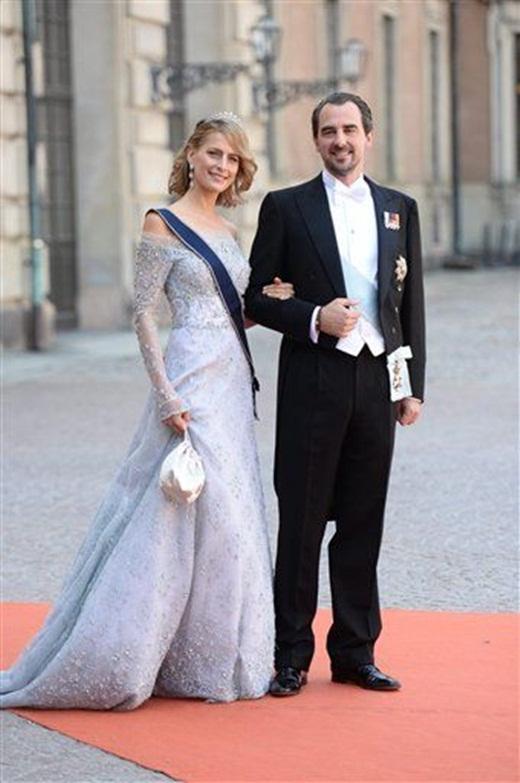 Hoàng tử Nikolais và Công chúa Tatiana của Hy Lạp đến tham dự lễ cưới của Hoàng tử Carl Philip và Sofia Hellqvis. Đến tham dự lễ cưới còn có sự hiện diện của nhiều đại diện hoàng gia trên khắp thế giới như Nữ hoàng Margethe của Đan Mạch, Nữ hoàng Sonja của Norway, Hoàng hậu Bỉ Mathilde…