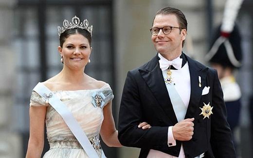Công chúa Victoria, người sẽ kế vị ngai vàng tương lai của Thụy Điển cùng phu quân của mình, Hoàng thân Daniel