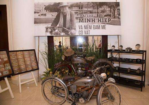 """Chiếc xe Bảo Đại và bộ sưu tập tiền cổ của anh """"Hai Lúa"""" Huỳnh Minh Hiệp"""