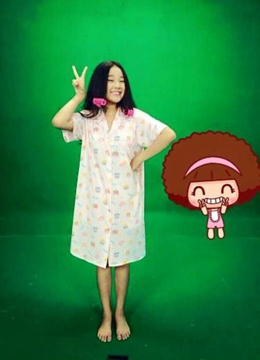 """Tam Triều Dâng là một trong những cô nàng """"siêu bé nhỏ"""" của làng giải trí Việt. Dù chiều cao có phần """"khiêm tốn"""" nhưng côlại là gương mặt trẻ nhận được rất nhiều lời mời cho những bộ phim dành cho giới trẻ hiện nay. Tam Triều Dâng sở hữu khuôn mặt đáng yêu và nụ cười vô cùng tươi tắn."""