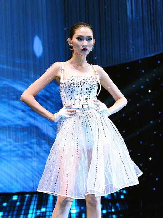 Những mẫu thiết kế của Chung Thanh Phong.