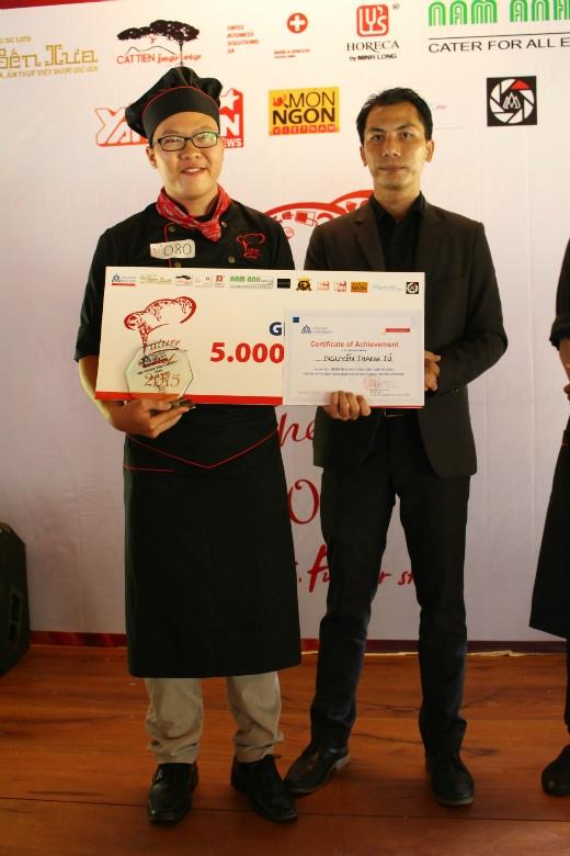 Giải Nhì: Nguyễn Thanh Tú- Trường Trung cấp Du lịch và Khách sạn Saigontourist.