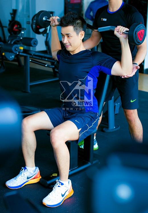 Tập gym tăng cường sức khỏe và năng lượng cho một ngày làm việc. - Tin sao Viet - Tin tuc sao Viet - Scandal sao Viet - Tin tuc cua Sao - Tin cua Sao