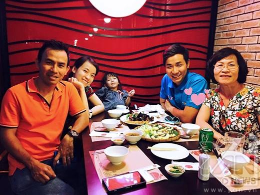 Nguyên Khang thường dành những ngày cuối tuần cho gia đình thay vì tụ họp bạn bè. - Tin sao Viet - Tin tuc sao Viet - Scandal sao Viet - Tin tuc cua Sao - Tin cua Sao