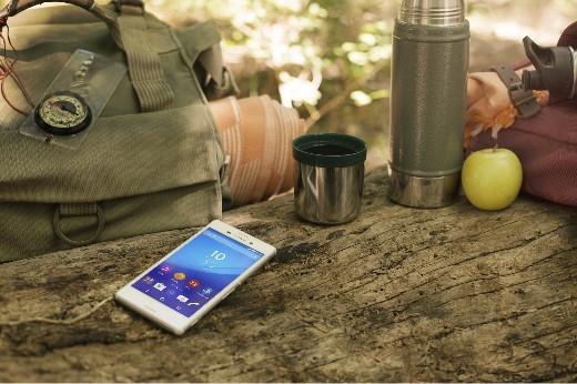 Smartphone càng nhiều chức năng hữu dụng càng được phượt thủ tin dùng