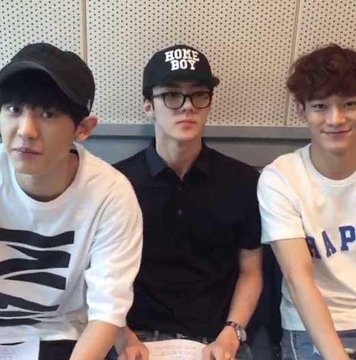 Chanyeol, Sehun và Chen háo hức tham gia chương trình radioChoi Hwa Jung′s Power FM.