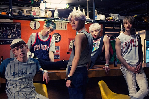 Xếp vị trí thứ 2 là 'đàn anh' cùng công ty - SHINee vơi số phiếu bình chọn18.1%. Sau một thời gian im ắng, cuối cùng SHINee cũng chính thức trở lại sân khấu với album mới Odd và nhận được nhiều sự ủng hộ của khán giả.