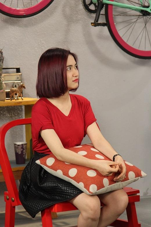 Đôi khi cô em Hòa Minzy cũng không quên nũng nịu anh Trai