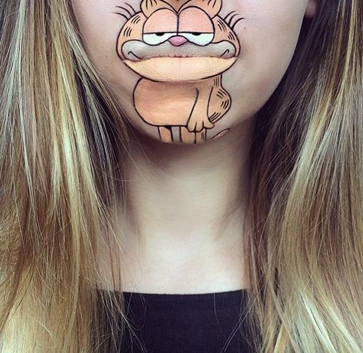 Mèo Garfield 'hiện hình'