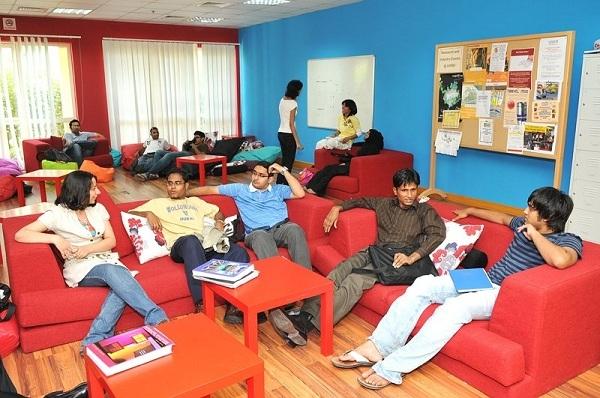 Khu tự học của sinh viên