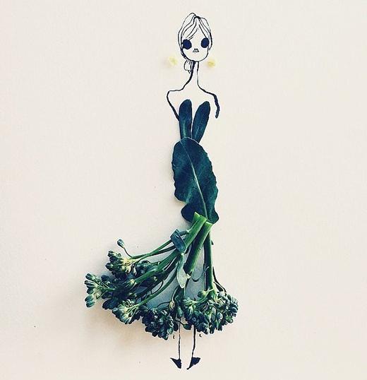 Qua bàn tay tài hoa của Gretchen Roehrs, lá rìa của súp lơ cùng hoa cải ngồng trở nên kiêu sa, lộng lẫy trong một mẫu phác thảo váy đuôi cá.