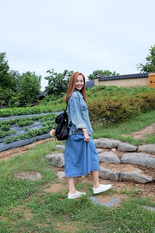 Minh Hằng hào hứng với chuyến đi ở Hàn Quốc.     Vì địa điểm quay cách Seoul khá xa nên người đẹp đã có một chuyến đi dài. Tuy nhiên cô vẫn vô cùng tươi tắn. - Tin sao Viet - Tin tuc sao Viet - Scandal sao Viet - Tin tuc cua Sao - Tin cua Sao