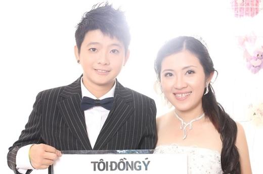 Ái Linh và Thanh Phương quen nhau tính tới nay cũng hơn 12 năm. Dù gặp rất nhiều khó khăn và vất vả nhưng rồi vì tình yêu dành cho nhau, cả hai đã cùng vượt qua và hiện nay vẫn vô cùng hạnh phúc.