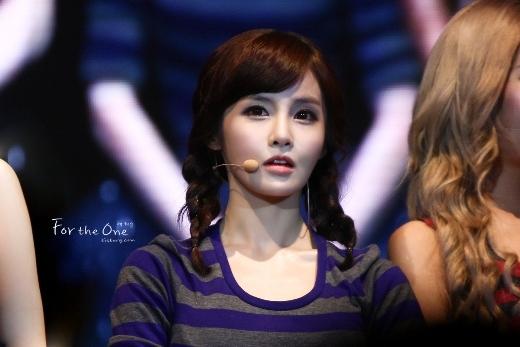 """Cùng với cô bạn cùng nhóm, Boram (T-ara) cũng là gương mặt """"gây shock"""" không kém. Nhìn vào nữ thần tượng, có lẽ chẳng ai nghĩ cô nàng bước sang ngưỡng 30 vào năm sau."""